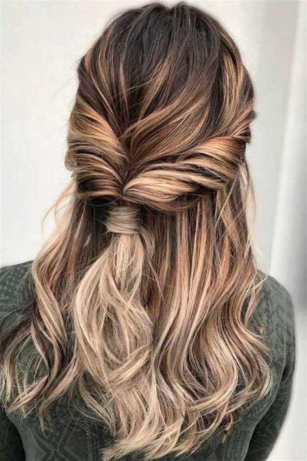 Coleta de cabello torcida-opt