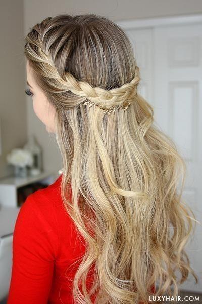 Corona de trenza con cabello suelto